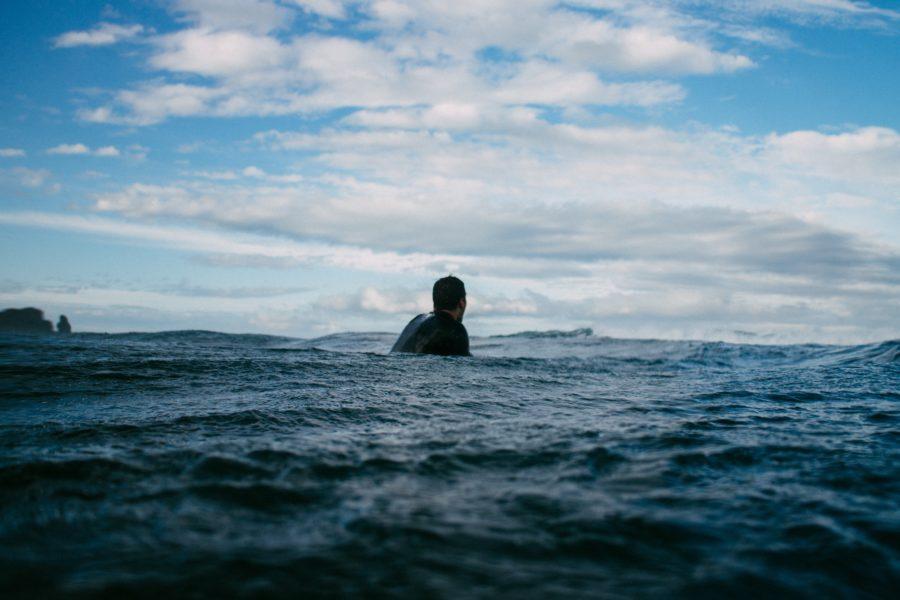 サーフィンにウェットスーツは絶対に必要です