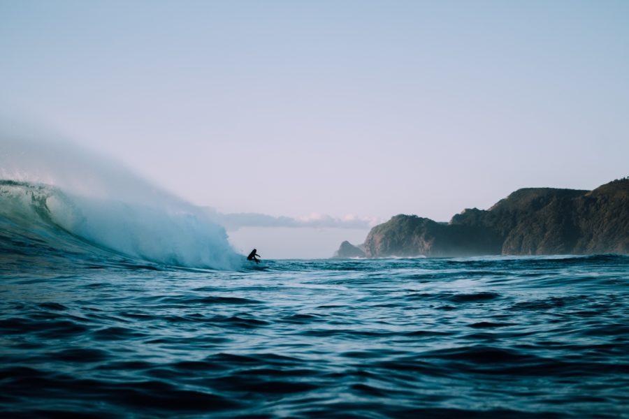 適したいい波を見つけるために風を読む