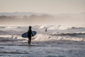 サーフィン初心者が上達しない4つの理由と解決策