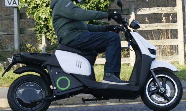 First ride: Scutum S02 electric scooter – on2wheels