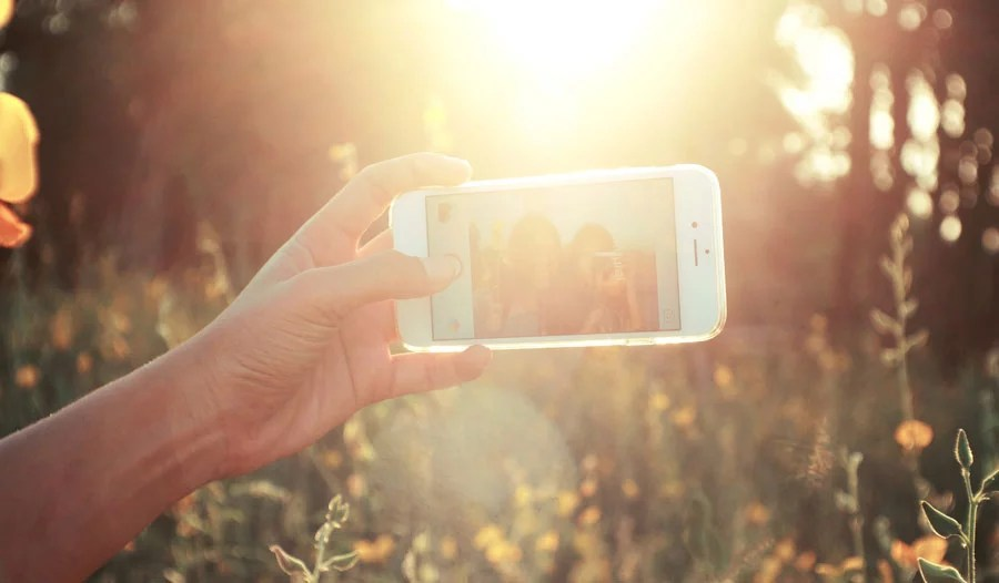 Link Between Selfies and Low Self-esteem