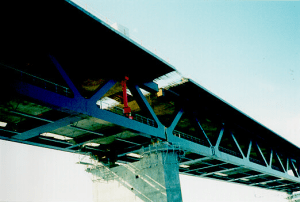 Figure 21: Bridge-building with heavy steel plates, Øresund Bridge, DK-S