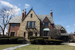 Today's Tudor: Oak Park architect Arthur Maiwurm designed the Tudor on the 1000 block of Franklin Avenue in River Forest. The home has been meticulously restored by its owners.