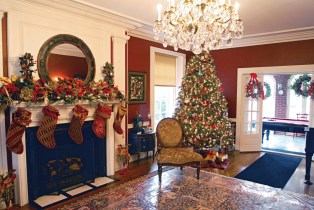 Decking the halls: The Oak Park River Forest Infant Welfare Society will host its annual Holiday Housewalk and Market in early December.Photos courtesy Oak Park River Forest Infant Welfare Society