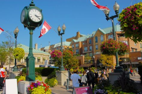 Image of Towne Square in downtown Oakville.