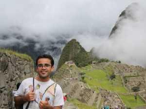 O montanhista Claudinei Monteiro em viagem à Machu Picchu, no Peru, em janeiro deste ano Arquivo pessoal / Facebook