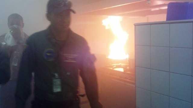 Princípio de incêndio atingiu cozinha de restaurante do aeroporto (Foto: James Silva/Arquivo Pessoal)