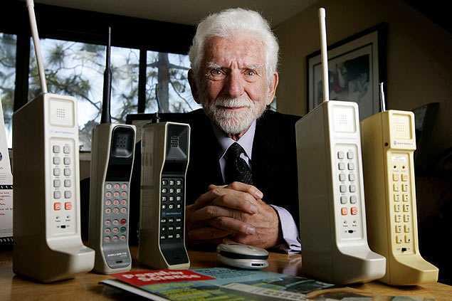 Martin Cooper em seu escritório, na Califórnia, em 2009 - Sandy Huffaker/The New York Times
