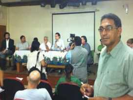 Vereador Carlos Portela, no destaque, participou das discussões sobre os haitianos no Acre