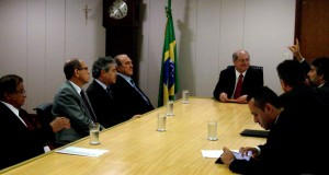 Afirmação foi feita durante audiência dos parlamentares nesta quarta-feira, 3, no gabinete do ministro Paulo Bernardo (Foto: Assessoria)