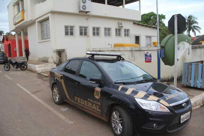 Polícia Federal foi até o local e tenta descobrir alguma pista do suspeito - Fotos: Alexandre Lima