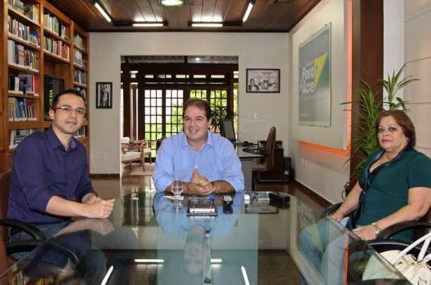 Lauro Julião de Souza Neto em reunião com o governador Tião Viana (Foto: Gleilson Miranda/Secom)