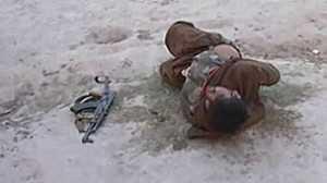 Homem foi detido vestindo colete com explosivos (BBC)