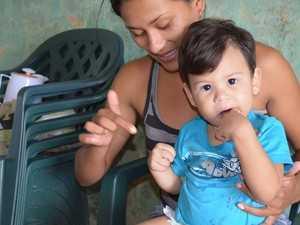 Rosa Maria Dias de Souza diz que seu filho nasceu com problemas devido a demora no atendimento - (Foto: Francisco Rocha/G1)