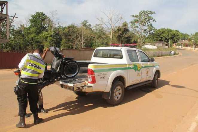 Moto foi conduzida ao pátio do 10º Batalhão da PM - Foto: Alexandre Lima