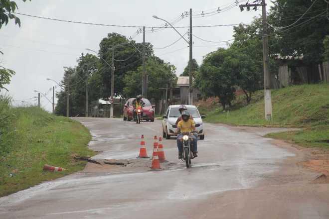 Local já realizado outros paliativos, mas o problemas volta e Avenida poderá romper - Foto: Alexandre Lima