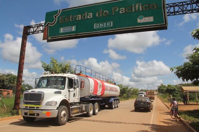 Acre recebeu carregamento de combustível vindo do Peru/Foto: Alexandre Lima