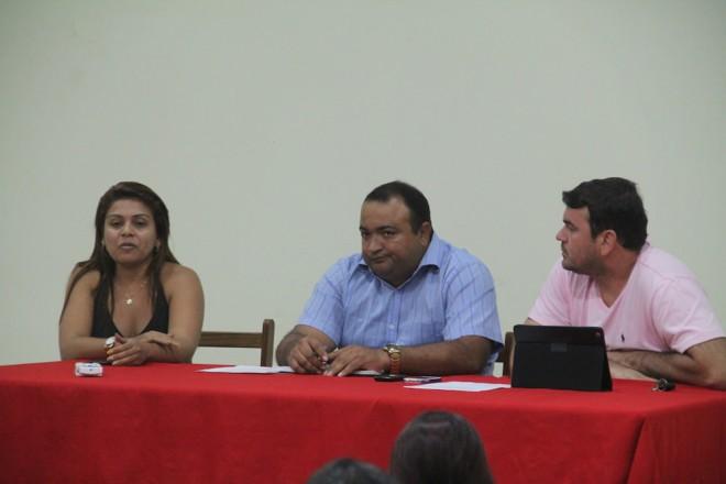 Representante da SUFRAMA na fronteira, a senhora Luciana do Carmo Araújo, esteve presente na reunião - Foto: Alexandre Lima