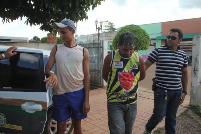 Acusados foram conduzidos para a delegacia de Brasiléia - Foto: Alexandre Lima