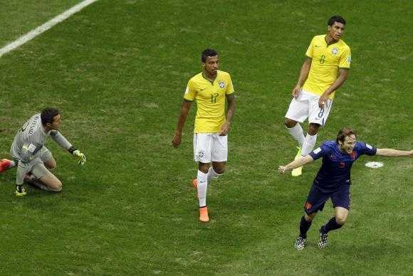 Brasil sofre mais uma derrota e Holanda fica com terceiro lugarThemba Hadebe/AP
