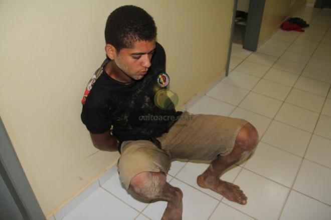 Iranildo Santos Souza (18), foi cercado nas proximidades da quadra esportiva - Foto: Alexandre Lima