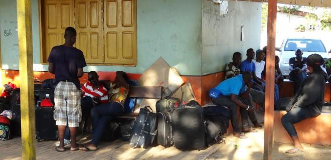 Cerca de 100 haitianos chegaram à fronteira neste final de semana/Foto: Carlos Portela