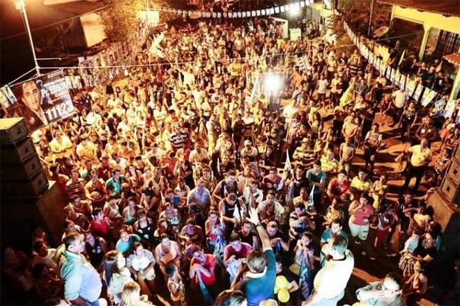 Comício reúne multidão no centro de Senador Guiomard/Foto: Assessoria