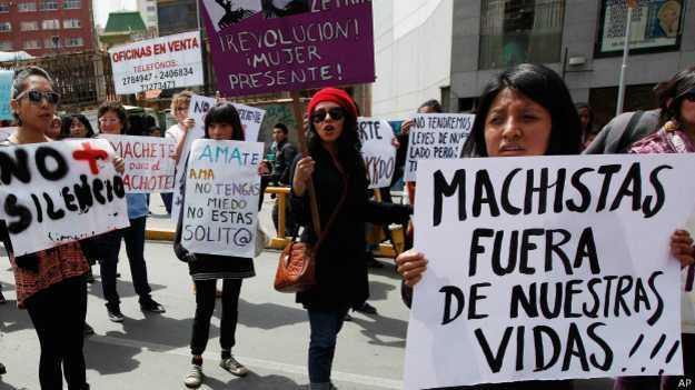 Mulheres protestam contra machismo na Bolívia