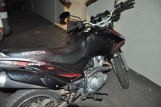 O policial ainda conseguiu chegar ao PS conduzindo sua motocicleta