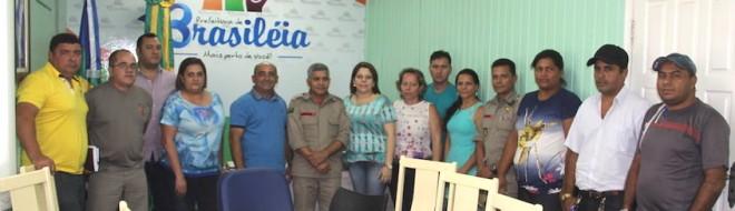 Everaldo Gomes se reuniu com seus secretários, autoridades militares e vereadores, além de representantes do Meio do Ambiente de Epitaciolândia - Foto: Alexandre Lima