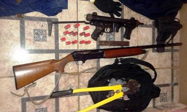 Armas e equipamentos aprendidos com os acusados - Foto: Rondoniaaovivo