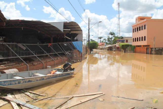 Alguns locais ainda poderão demorar dias para as águas irem embora de vez - foto: Alexandre Lima