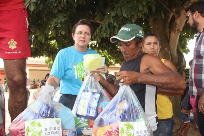 Sacolões foram entregues aos afetados pela enchente na regional do Alto Acre - Foto: Alexandre Lima