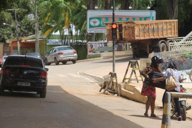 Carretas das pontes foram retiradas no período da tarde desta sexta-feira, dia 27 - Foto: Alexandre Lima