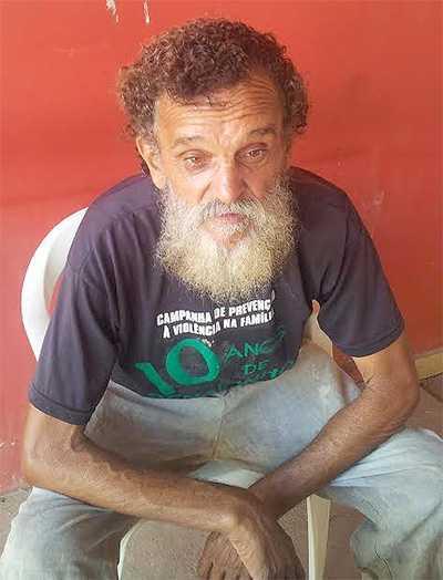 """Abandonado pelos """"companheiros"""", o trabalhador rural Alberto Monteiro, perambula pelas ruas do centro de Rio Branco"""