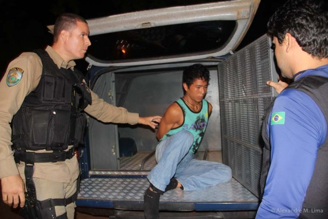 Marcelino foi detido no entroncamento de Xapuri com droga escondida no forro da mala.