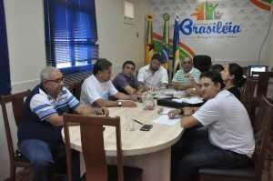 Reunião no gabinete do prefeito Everaldo Gomes - Foto: Lair Sabino
