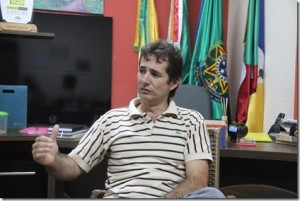 Prefeito Marcinho não foi localizado por celular.