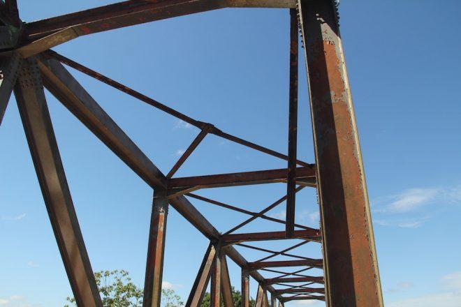 Estrutura está se deteriorando por não receber manutenção - Foto: Alexandre Lima