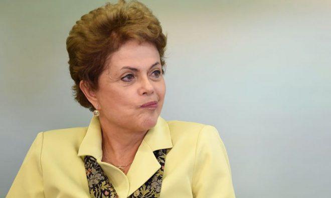 FORA – Presidente Dilma Rousseff ficará afastada do cargo até julgamento final