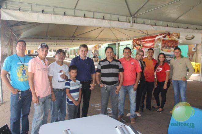 Comerciantes que estão na organização, juntamente com o SEBRAE na tarde desta quinta, dia 30 - Foto: Alexandre Lima