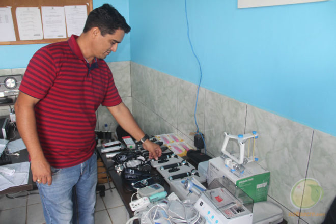 Secretário James Andrade entregou equipamentos nas unidades de saúde e URPA - Foto: Alexandre Lima