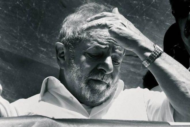 Indiciado por corrupção, lavagem de dinheiro e falsidade ideológica, Lula foi apontado como o capo do petrolão (Reginaldo Pimenta/VEJA)