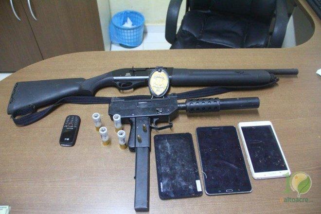 Agentes estão investigando se a metralhadora Uzi era a que Pit usou no assalto na casa do comerciante em Brasiléia - Foto: Alexandre Lima.arquivo