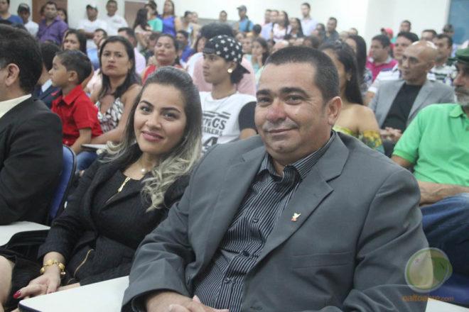 Prefeita eleita e seu vice, momentos antes de serem diplomados - Foto: Alexandre Lima