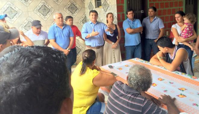 Prefeito eleito de Capixaba, José Augusto, e lideranças de vários partidos receberam Marcio Bittar e sua caravana com um café da manhã/Foto: Wania Pinheiro/ContilNet