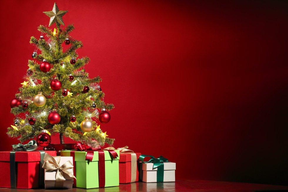 albero con regali