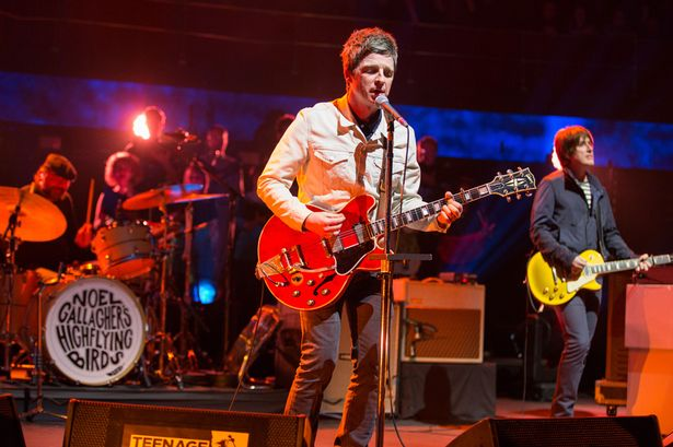 Noel-Gallaghers-High-Flying-Birds-performing-at-the-Royal-Albert-Hall-2015