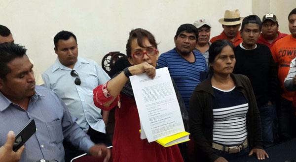 Acusan a ex diputados del PRD de proteger a líder de Mototaxistas