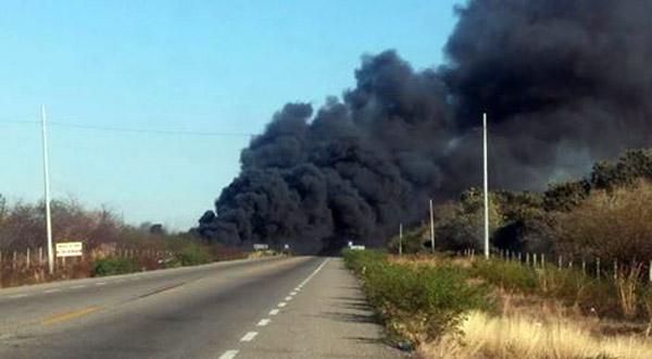 Reporta Protección Civil incendio en el tramo carretero a Niltepec